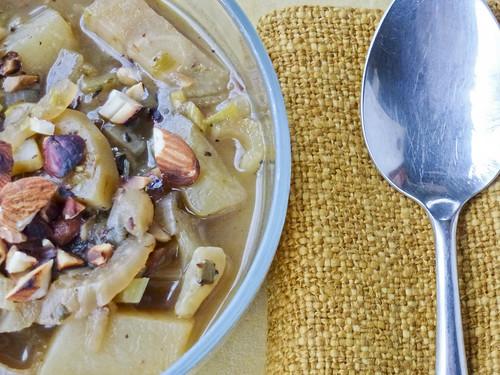 Fennel & Leek soup with almonds