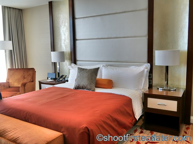 Solaire Resort and Casino- standard room-006