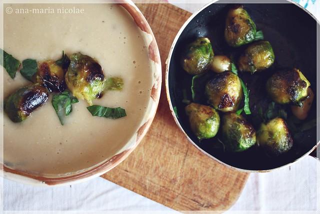 Supa-crema de fasole cu varza de bruxelles
