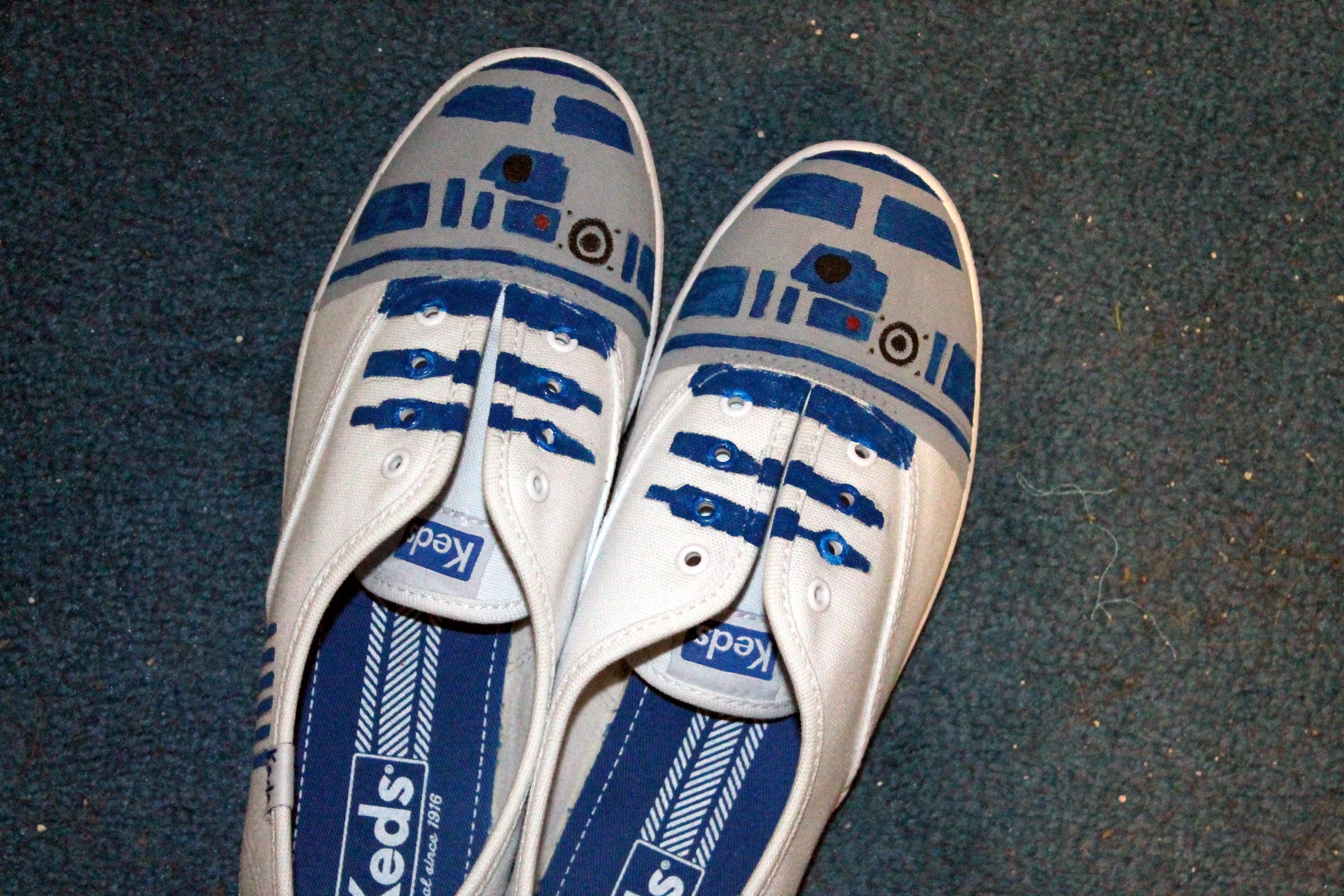 R2-D2 shoes