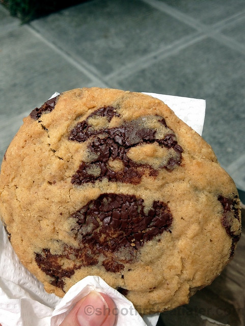 chocolate chip cookie P100