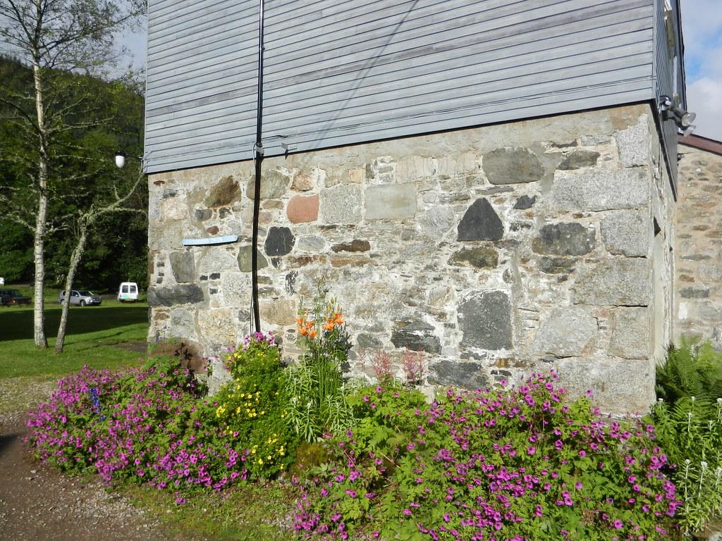 Wall at Kindrogan