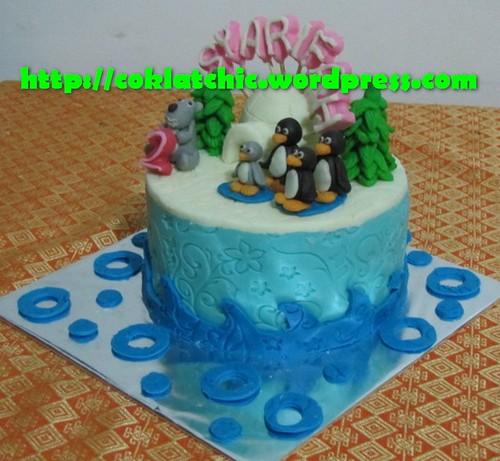 Cake Bernard Bear dan Pingu