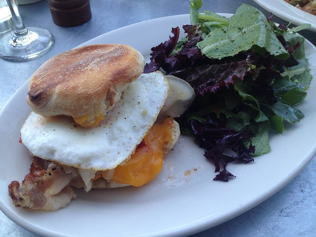 Fried egg sandwich - Universal Cafe