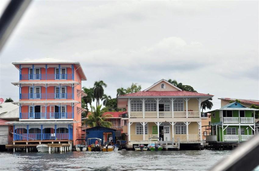 Hoteles del pueblo de Bocas, como todas las construcciones coloniales, con vistas al mar Bocas del Toro, escondido destino vírgen en Panamá - 7598184892 c516f08c34 o - Bocas del Toro, escondido destino vírgen en Panamá