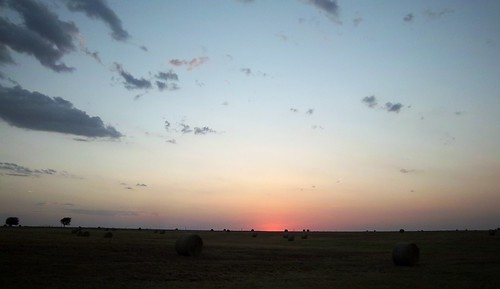 my much sought after Oklahoma sunset, with hay bales!