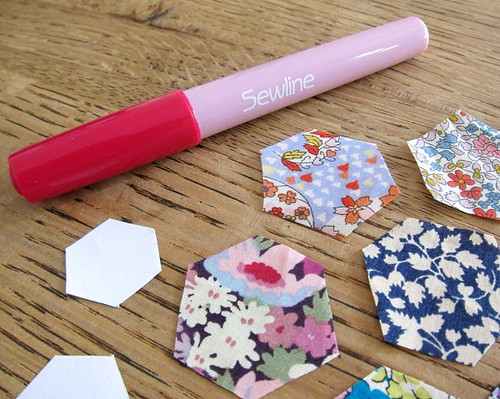 SewLine glue pen