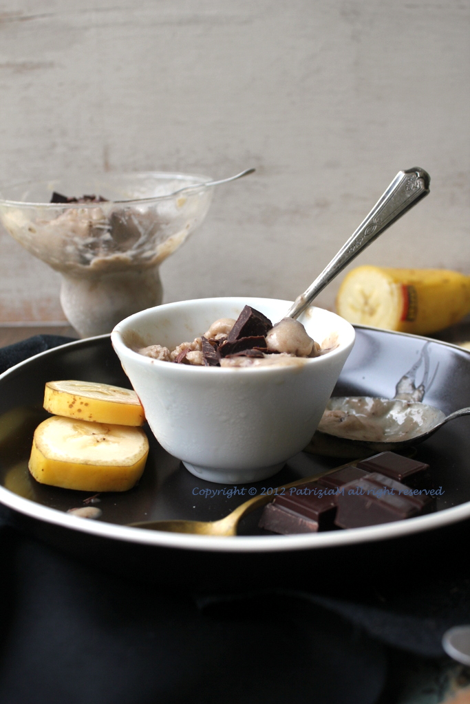 Gelato alle banane con cioccolato
