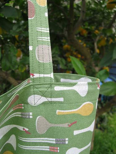 zip-away shopping bag - pattern by You Sew, Girl!