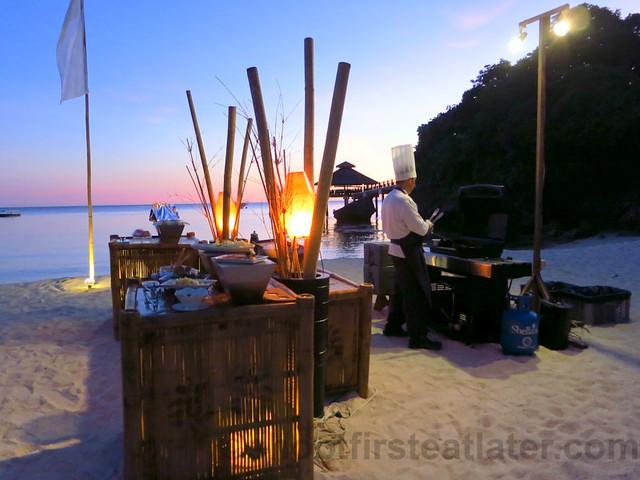 Shangri-La's Boracay Resort & Spa- special beachside dinner-001