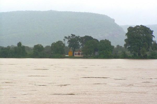 flood in Narmada riverHoshangabadMP Flickr Photo