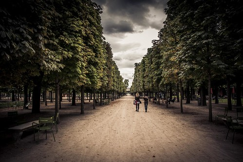 Urban Mythologies : Despair Garden (Jardin des Tuileries, Paris) - Photo : Gilderic