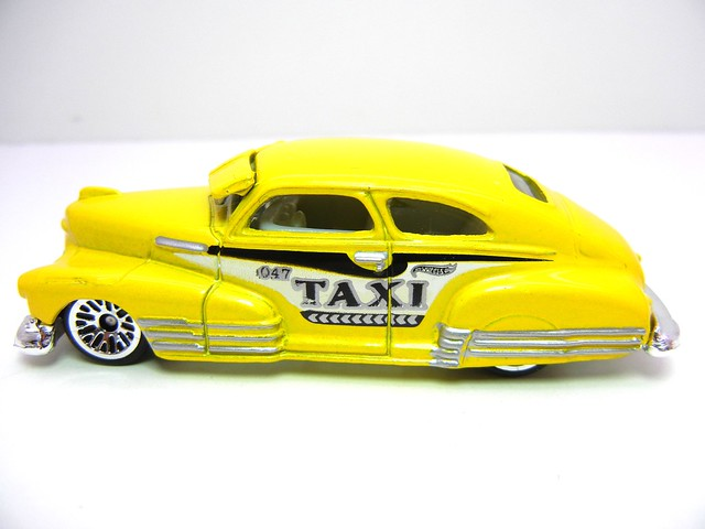 hot wheels '47  chevy fleetline taxi  (3)