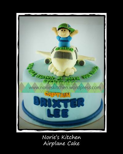 Norie's Kitchen - Airplane Cake by Norie's Kitchen