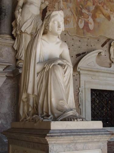 20120807_0044_funerary-monument
