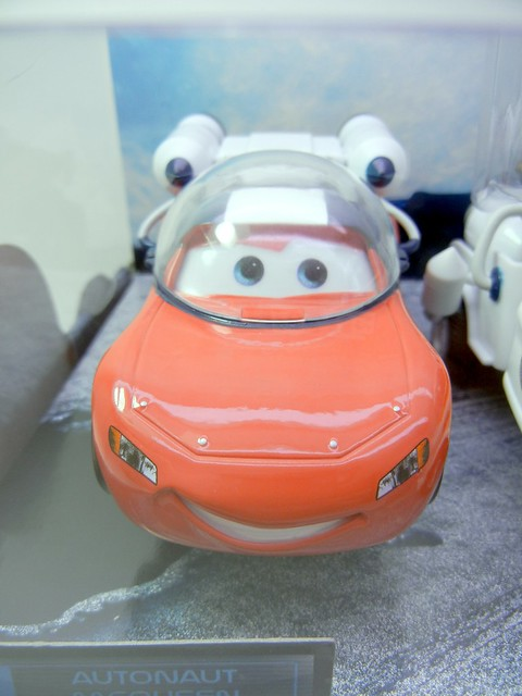 disney store cars mater to the moon set (2)