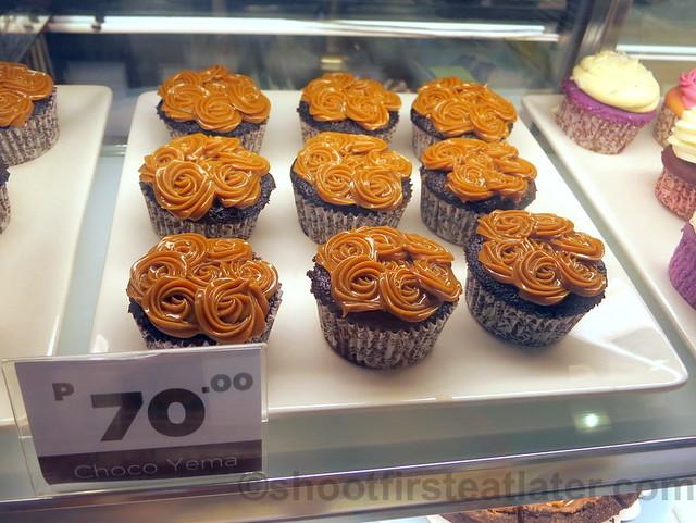 Slice's choco yema cupcakes