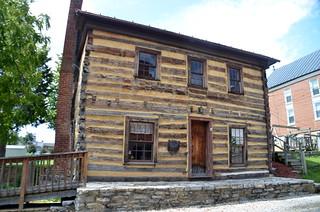 Fincastle Cabin