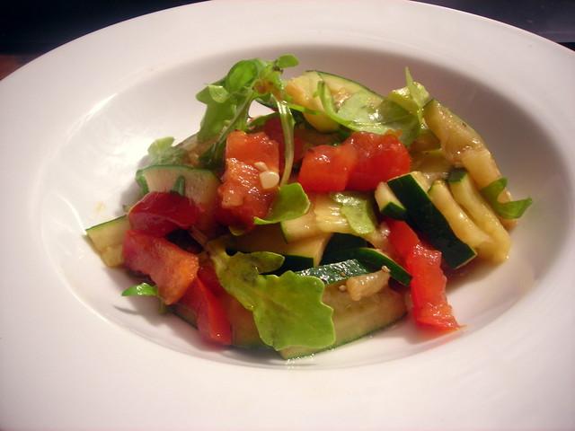 Insalata di zucchini e pomodoro
