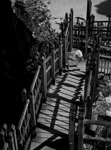 20120909-35_Kenilworth Castle - B+W by gary.hadden
