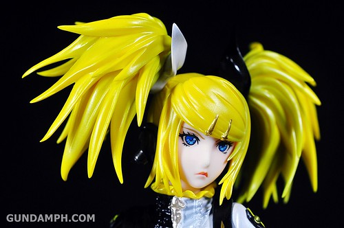 Max Factory Kagamine Rin (Nuclear Fusion Ver.) Unboxing & Review (22)