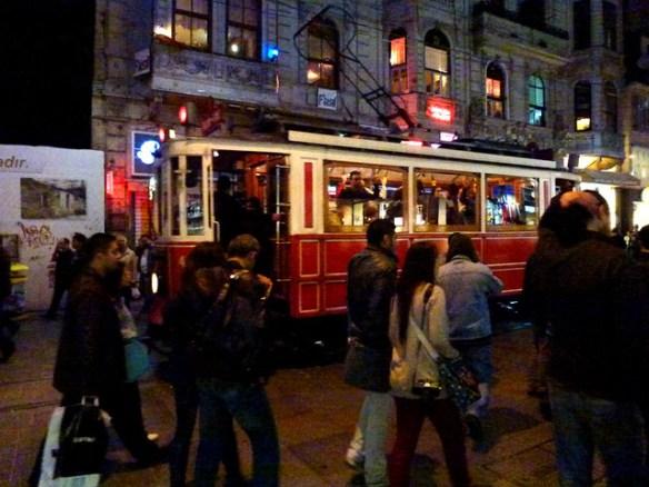 Istanbul - avril 2012 - jour 7 - 122 - Istiklal Caddesi