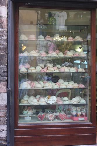 20120810_5211_Assisi-macaroons