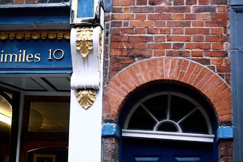 blue door and bricks, Green st, cambridge