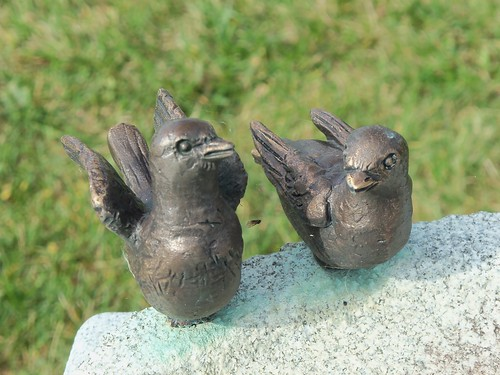 Birdbath monument