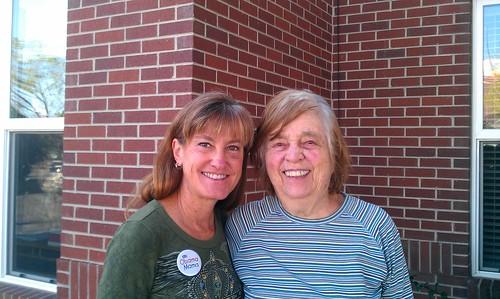 9-29-12 CO - Boulder, Mom & Roberta