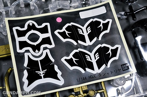 HGUC Kshatriya Pearl Clear (green) Binder Ver. Unboxing Pictures (29)