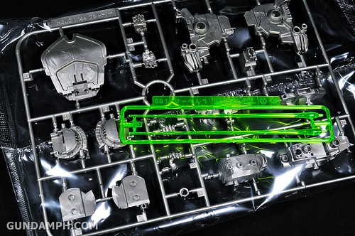 HGUC Kshatriya Pearl Clear (green) Binder Ver. Unboxing Pictures (22)