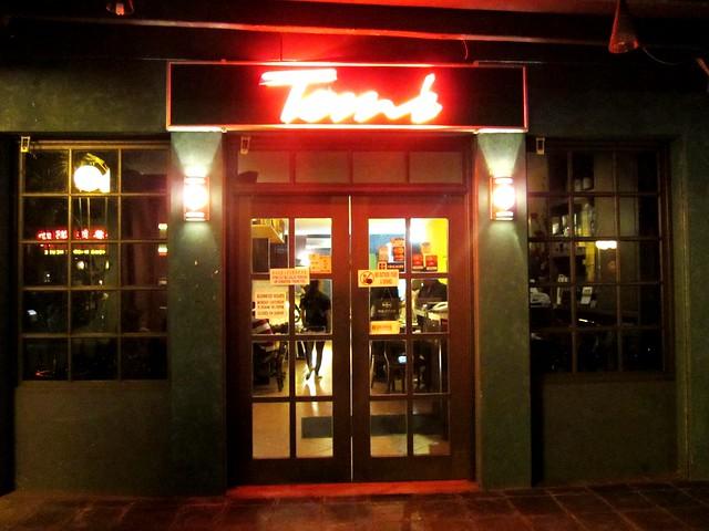 Tom's, Kuching