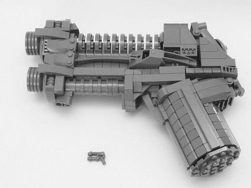 Life-size Minifig Weapon -Side