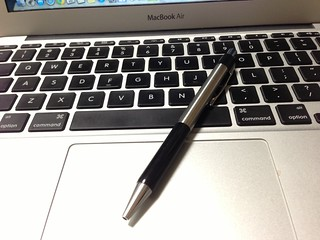 セブンイレブン販売のプラチナ製油性ボールペンは安くて書きやすい