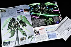 HGUC Kshatriya Pearl Clear (green) Binder Ver. Unboxing Pictures (8)
