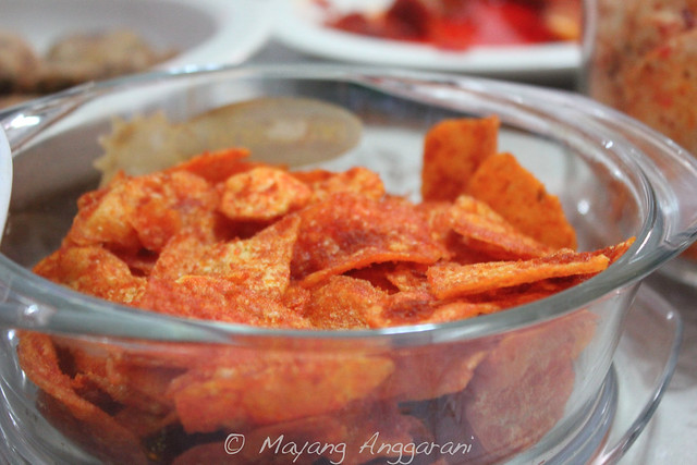 Thinly sliced and crispy potato chips seasoned with special mix of sambal
