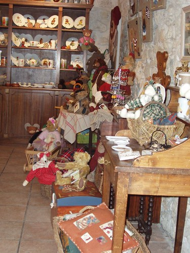 200609130026_Vence-teddy-bear-shop