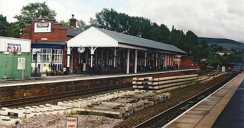 Stalybridge Station, looking towards Buffet Bar