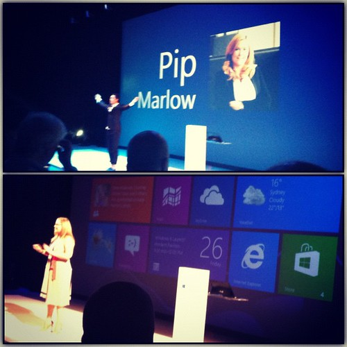 #Windows8 launch kicks off w/a dance/giant touch screen demo + talk by Pip Marlow from @Microsoft on personalised start screens.