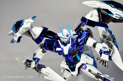 ANA 00 Raiser Gundam HG 1-144 G30th Limited Kit OOTB Unboxing Review (80)