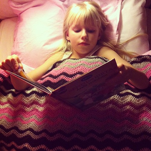 Karítas super happy and warm with her new #crochet #blanket