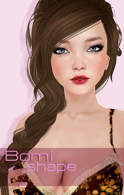 Bomi closeup open lips