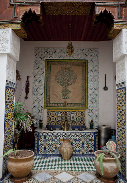riad, Morocco, Fes, fountain, tile