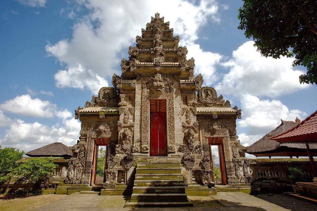 Gate to Pura Kehen, Bali.