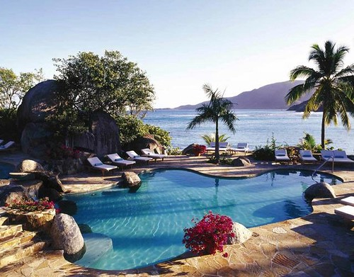 Top ten hotel swimming pools 1 by Booking Hotel IN