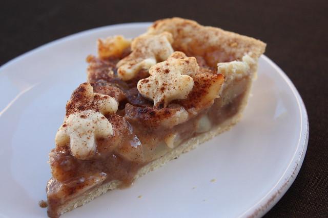 Chai-Spied Pear Pie