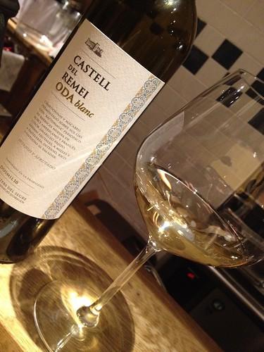 最初は白ワイン、Castell del Remei Oda Blanc@アルドアック