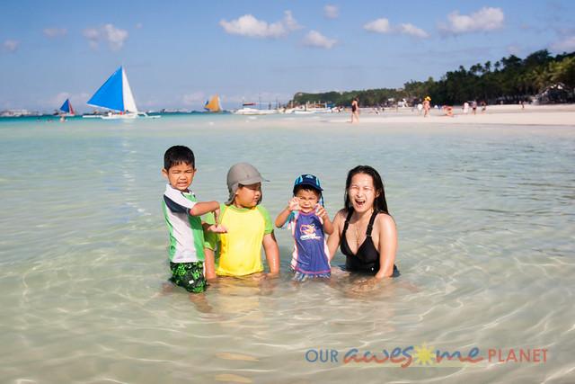Swimming in Boracay-18.jpg