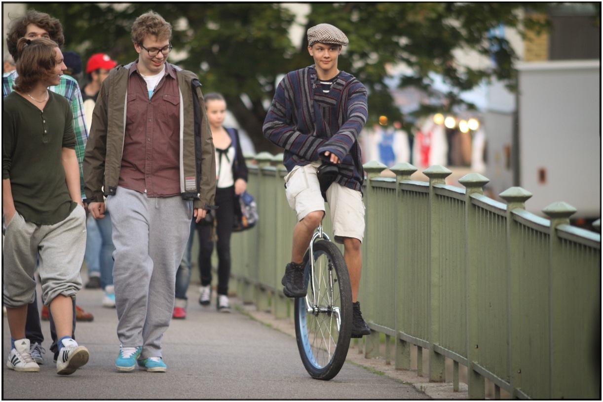 Mono Cyclist
